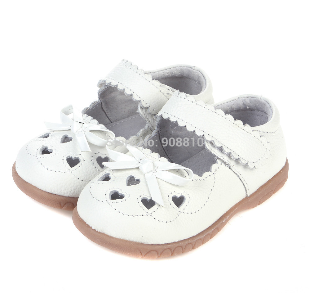 2017 100% leather girls shoes white mary jane with heart cut-outs butterfly love baby shoes for christening wedding half sandal