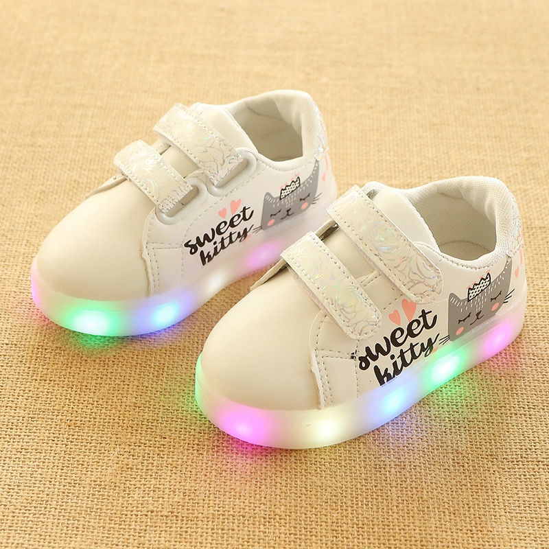 2018 European LED lighted Sports baby sneakers girls boys shoes toddlers light Spring/Autumn breathable baby first walkers